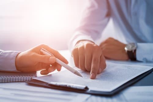 Derecho de contratos mercantiles y particulares